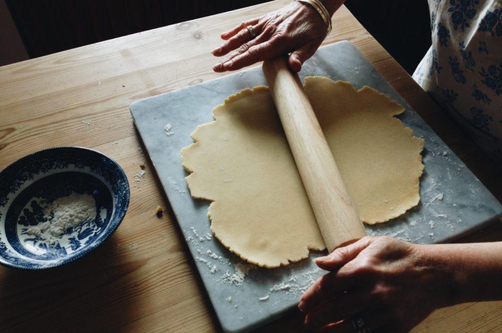pâtisserie pâte étalée au rouleau