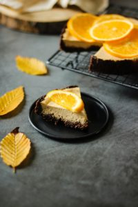 Part de cheescake à l'orange
