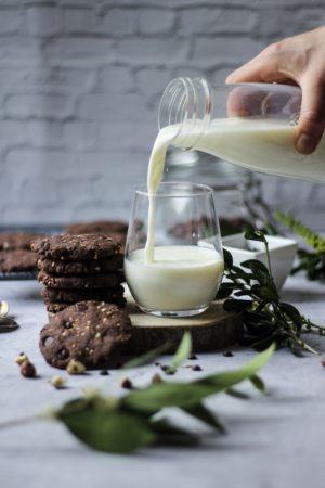 Cookies choco noisettes à la farine de sarrasin avec lait