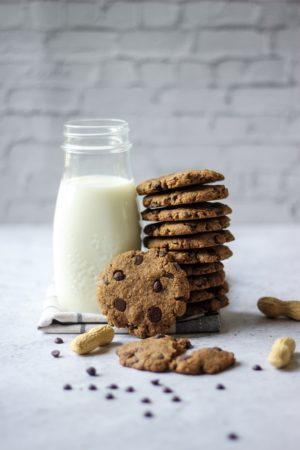 Cookies aux pépites de chocolat et farine de cacahuète