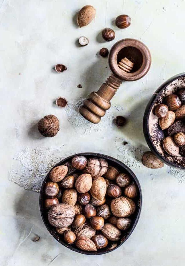Fruits à coque dans un bol