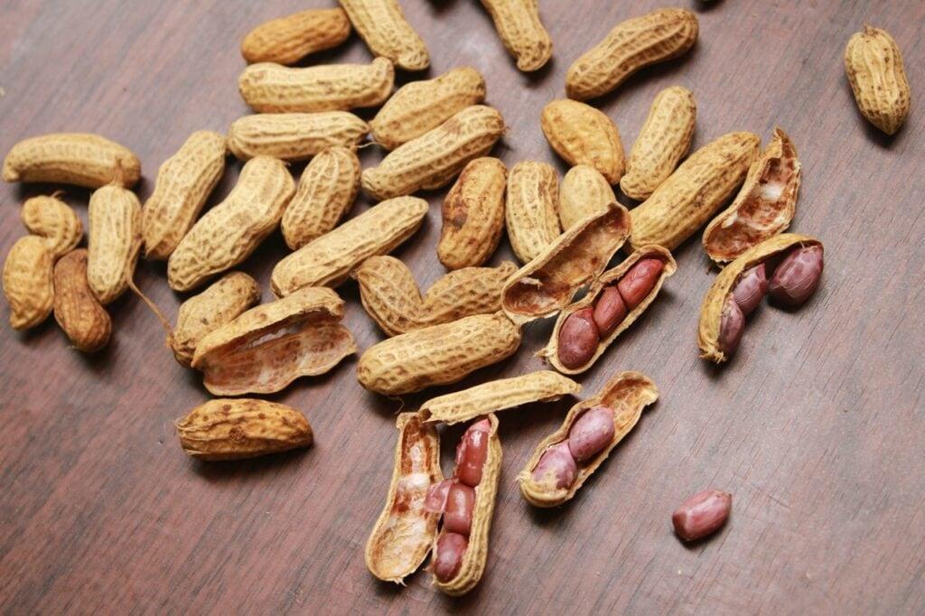 cacahuètes entières