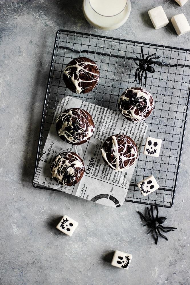 Muffins d'Halloween toiles d'araignées