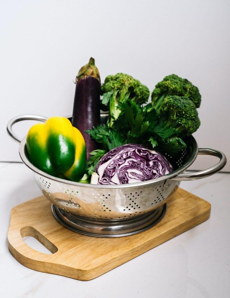 légumes, aubergine et brocoli