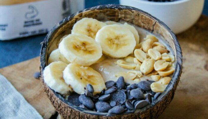 Smoothie bowl cacahuète, banane et chocolat