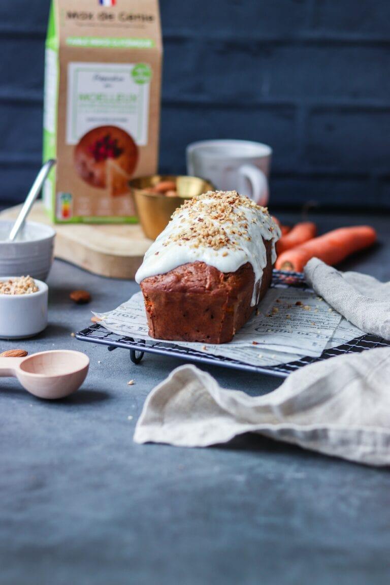 carrot cake moelleux amande et glaçage entier