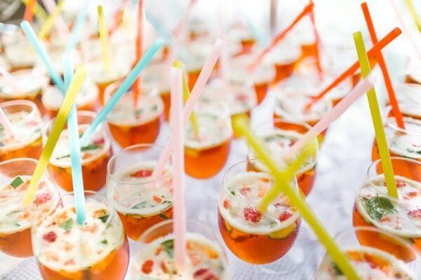 verres pailles colorées