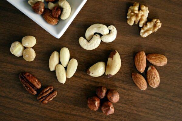 fruits secs amandes noix noisettes
